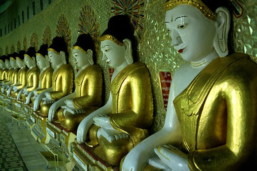 Stock Photo: 1606-30514 Myanmar, Sagaing, Onhmin Thonze Temple, Buddhas