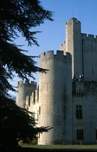 Stock Photo: 1606-37415 33. Bazadais, chateau de Roquetaillade (XIVème siècle)