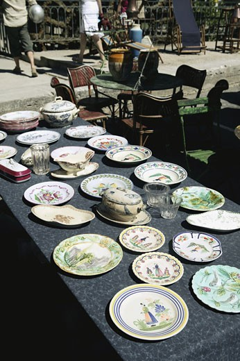 Stock Photo: 1606-38246 Secondhand market in l'Ile sur la Sorgue, Vaucluse