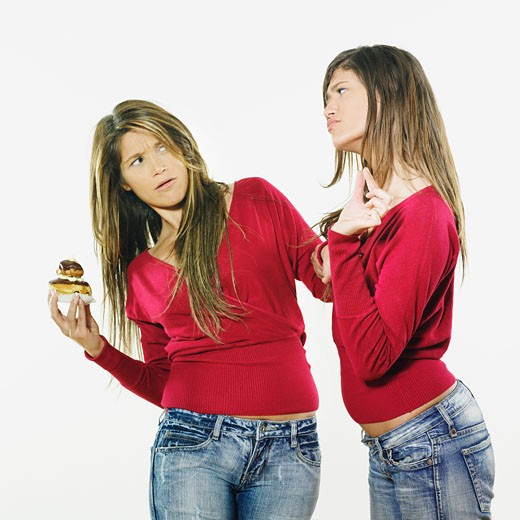2 women vith cake : Stock Photo