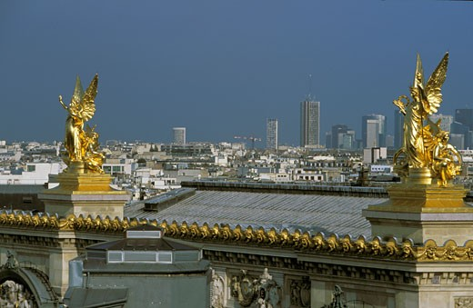 Stock Photo: 1606-43806 France, Paris, Opéra Garnier, golden statue, la Défense in background