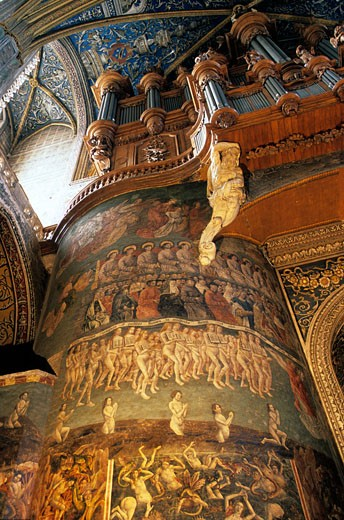 France, Midi-Pyrénées, Tarn, Albi, Sainte Cécile cathedral interior, organ and Last Judgment painting : Stock Photo