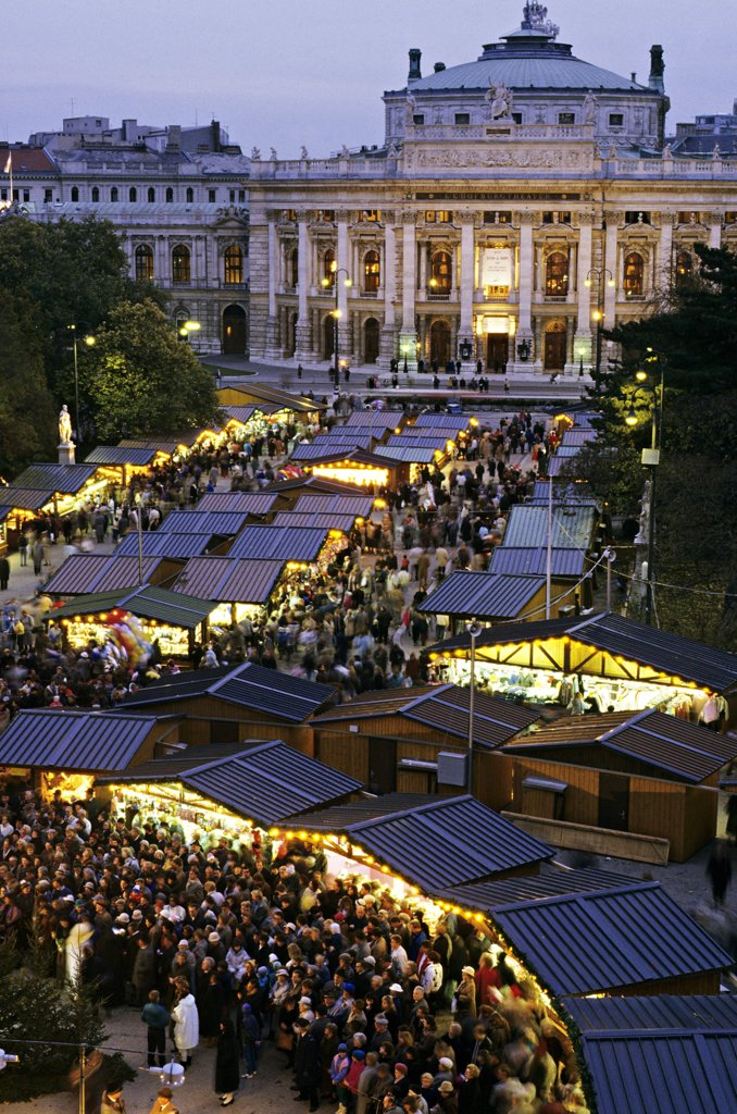 Stock Photo: 1606-56313 Austria, Vienna, Christmas market, by night