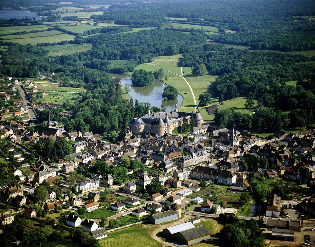 France, Burgundy, Yonne, Saint Fargeau, aerial view : Stock Photo
