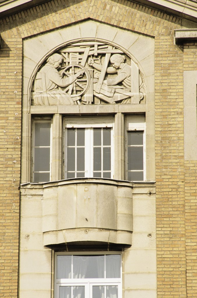 Stock Photo: 1606-56895 02. ST QUENTIN, DETAIL ARCHITECTURE