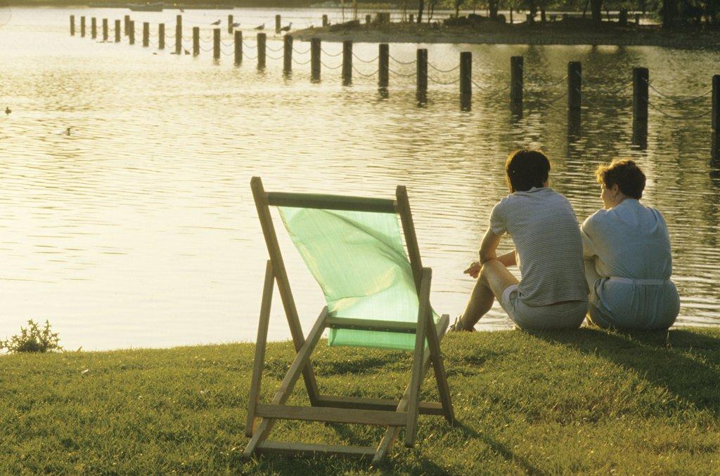 Great Britain, England, London, couple at Regent Park : Stock Photo