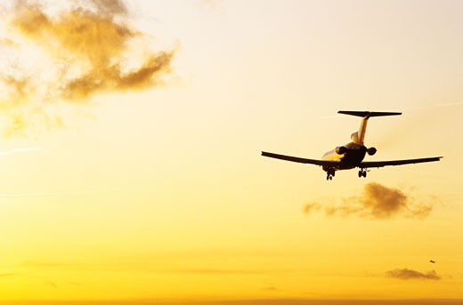 Stock Photo: 1606-58771 Orly, plane landing, sunset