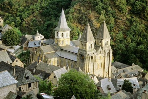 France, Midi Pyrenees, Aveyron, Conques, Ste Foy abbeu, view from above : Stock Photo