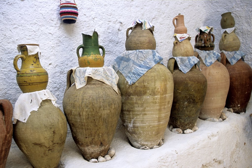 Tunisia, Gabes Governorate, Medenine area, Matmata, troglodyte village, jars : Stock Photo
