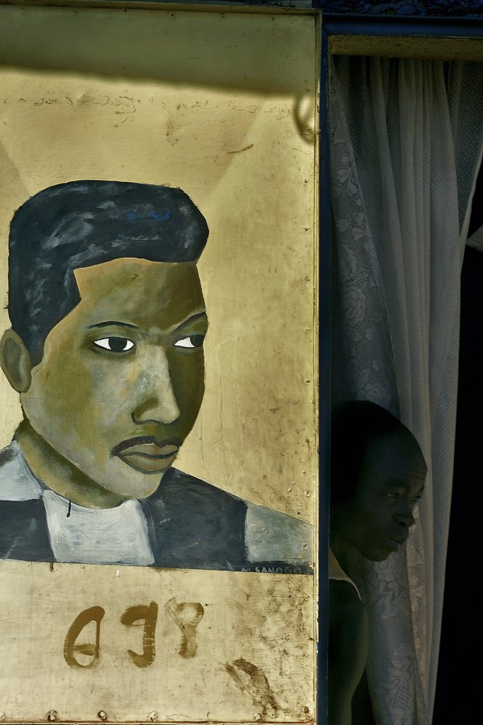 Mali, Bamako, painting on a hairdresser shop front : Stock Photo