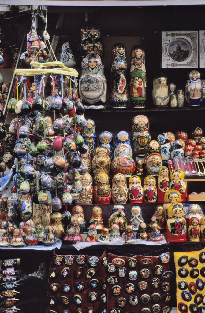 Russia, Saint Petersburg, market place, russian dolls : Stock Photo
