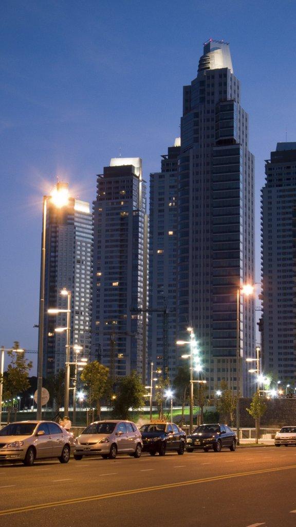 Stock Photo: 1606-66757 Argentine. Buenos Aires. Le port. Nouveau quartier de Puerto Madero.