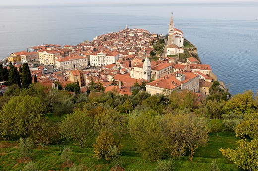 Slovenia, Piran, old medieval town situated on the shores of the Adriatic Sea and known for its Venetian Gothic architectur : Stock Photo