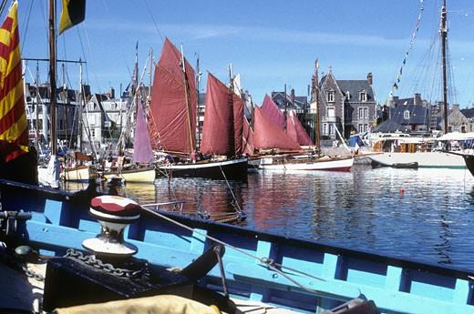 France, Bretagne, Cotes d'armor (22), Paimpol harbour : Stock Photo
