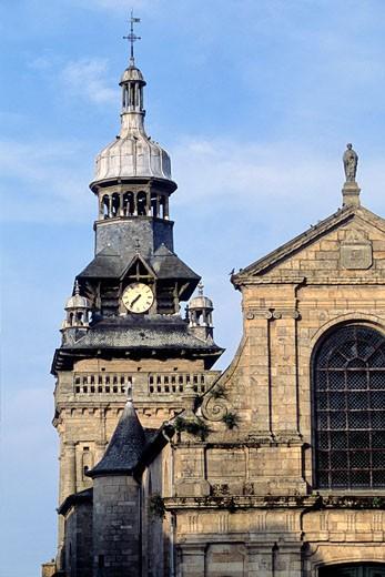France, Bretagne, Cotes d'armor (22), Moncontour church : Stock Photo