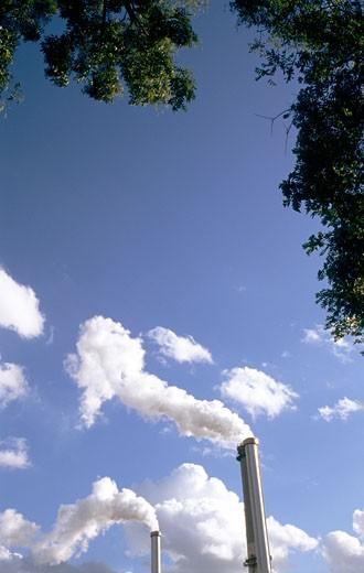 Stock Photo: 1606-70757 Factory smokestacks