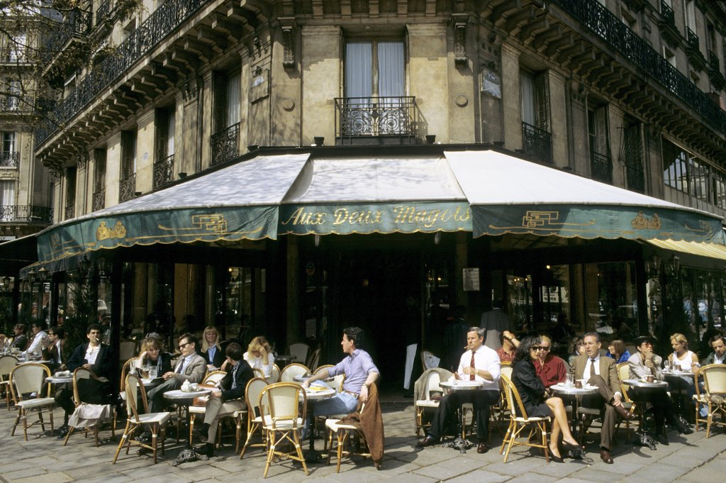 "France, Paris, cafe terrace ""Les 2 Magots"" : Stock Photo"