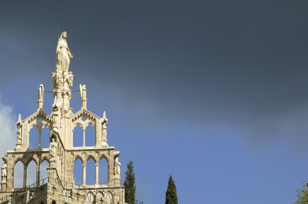 France, Drôme, Nyons, Randonne tower : Stock Photo