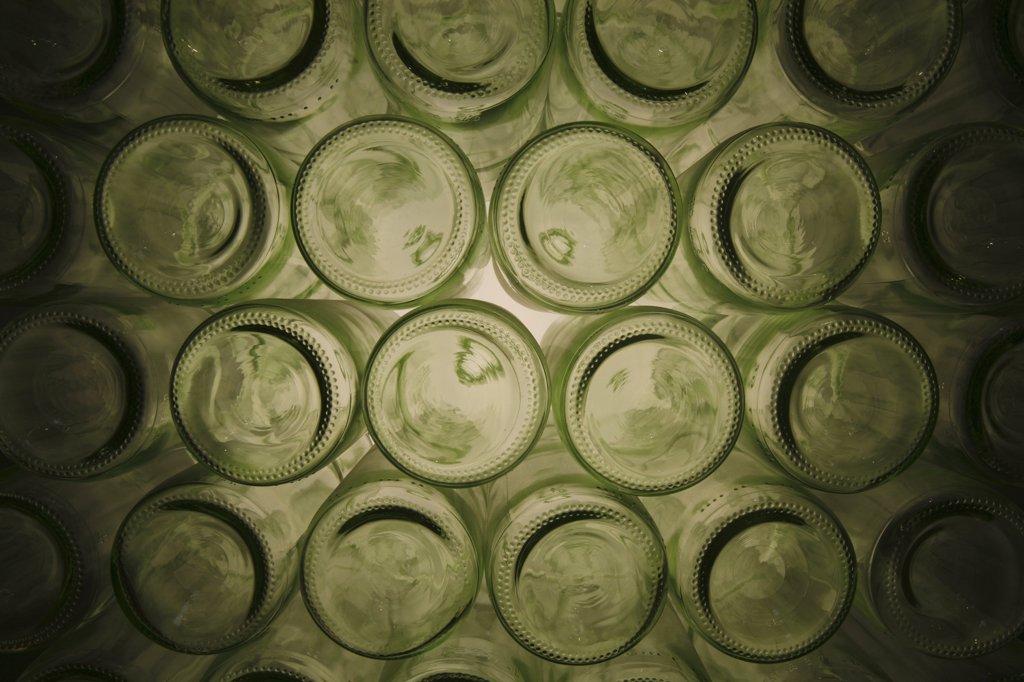 Stock Photo: 1606-77949 Autriche, Klosterneuburg, Empty bottles