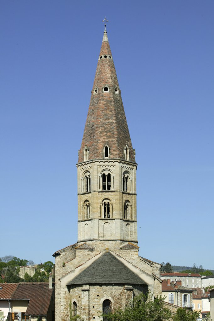 France, Saône et Loire, Cluny, Romanesque church. Saint-Marcel church : Stock Photo