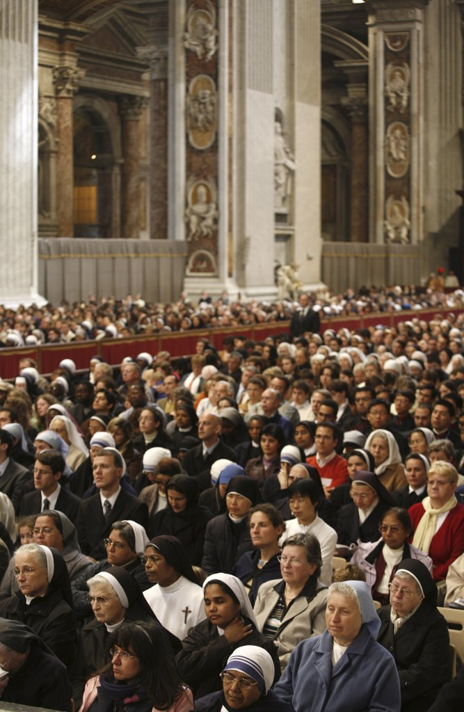 Stock Photo: 1606-79539 Italie, Latium, Rome, Easter thursday mass in Saint Peter's basilica