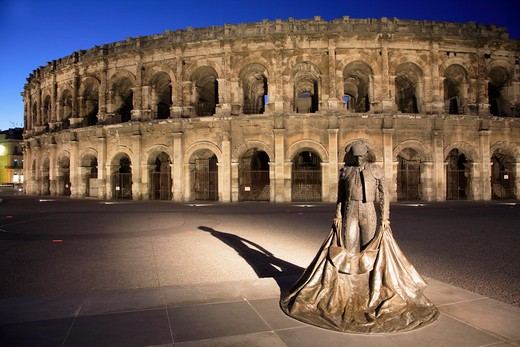 Stock Photo: 1606-82655 France, Provence, Nmes, Arnes, roman arena, torreador statue