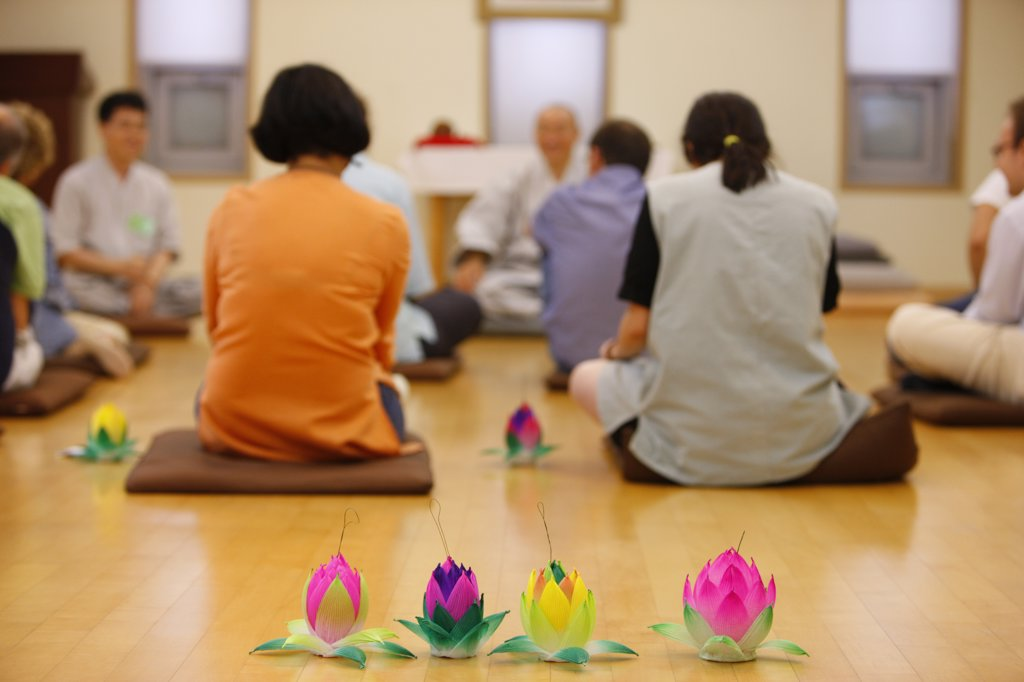 Core du Sud, Soul, Temple stay program with the Jogye Order of Korean Buddhism. Bongeunsa temple. : Stock Photo