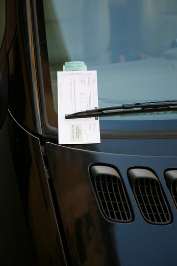 Stock Photo: 1606-92737 Fine on car windshield