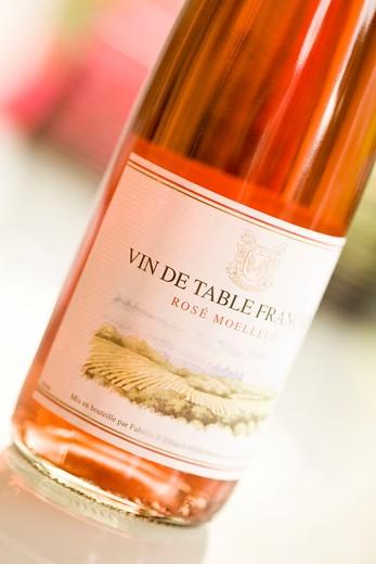 Rose wine bottle : Stock Photo