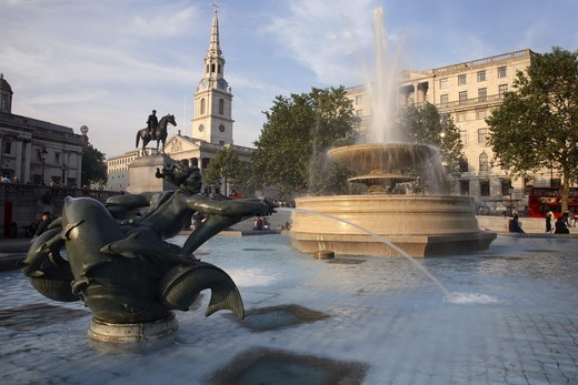 UK, Britain, England, London, Trafalgar Square, St. Martin-in-the-Fields Church : Stock Photo