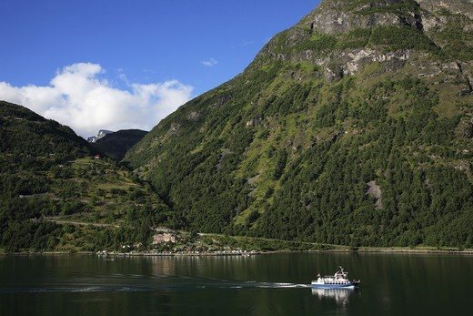 Stock Photo: 1606-97379 Norway, Geirangerfjord, sightseeing ship