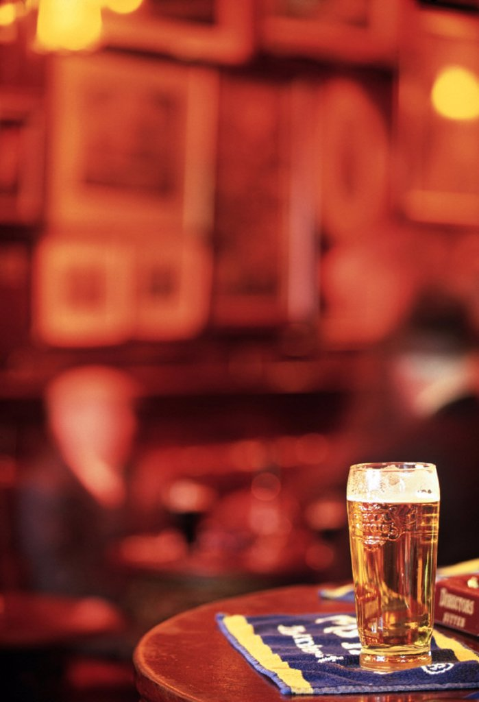 Stock Photo: 1609-10419 Interior of a pub, London, England