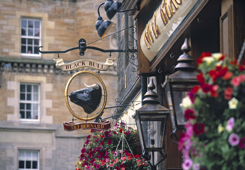 Stock Photo: 1609-10773 Pub Sign, Edinburgh, Scotland