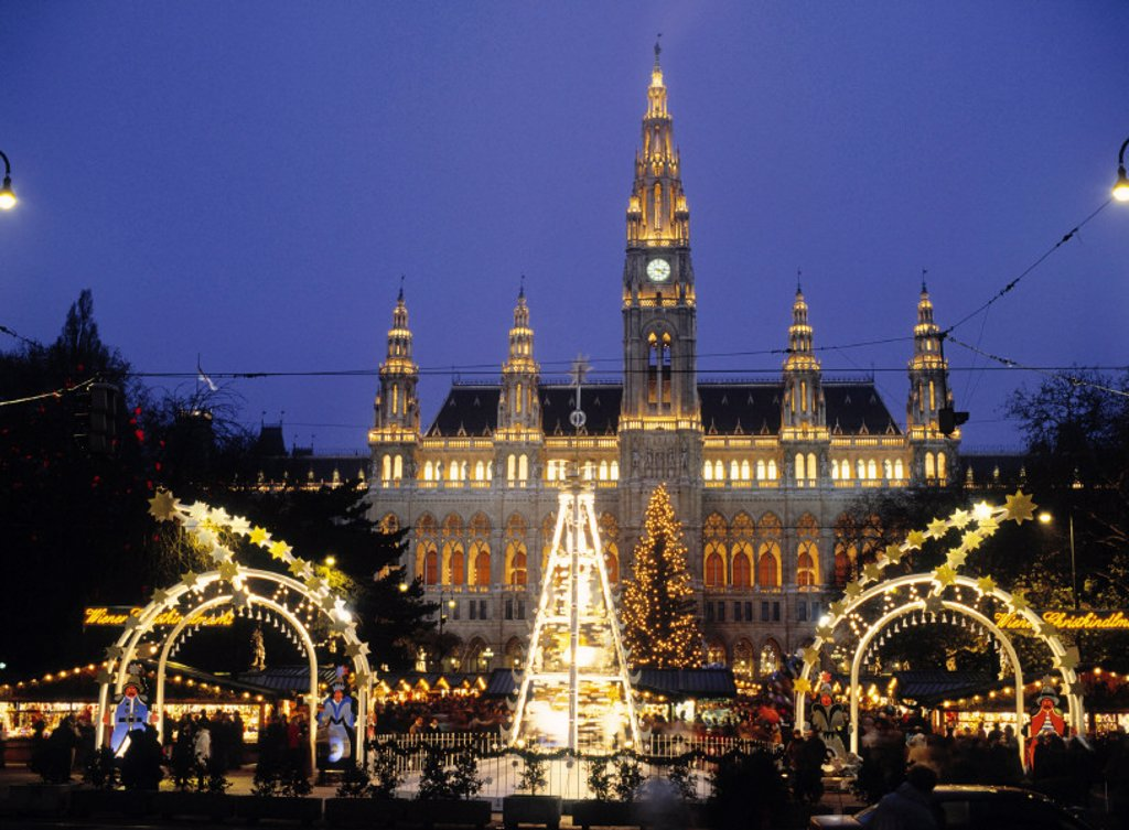Stock Photo: 1609-1202 Rathaus at Christmas, Vienna, Austria