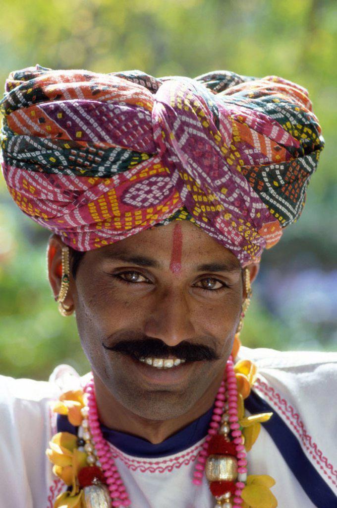 Man Dressed in Traditional Costume Wearing Turban, Jaipur, Rajasthan, India : Stock Photo
