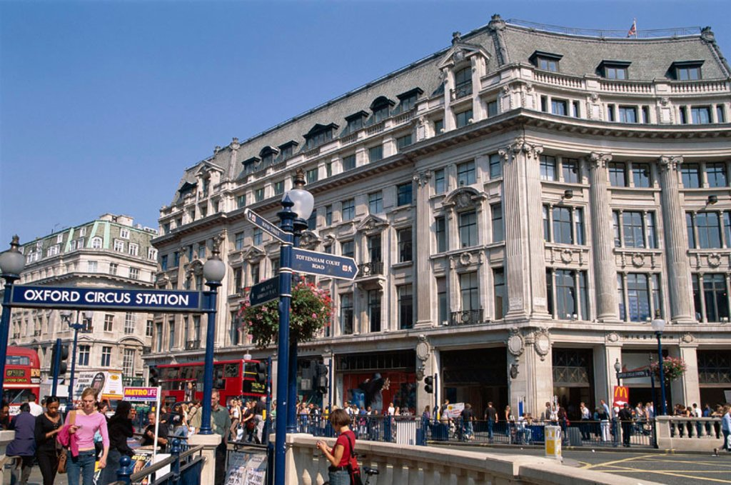 Stock Photo: 1609-16579 Oxford Street / Oxford Circus, London, England