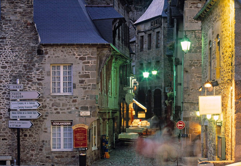 Stock Photo: 1609-18220 Dinan, Ille et Vilaine, Brittany, France