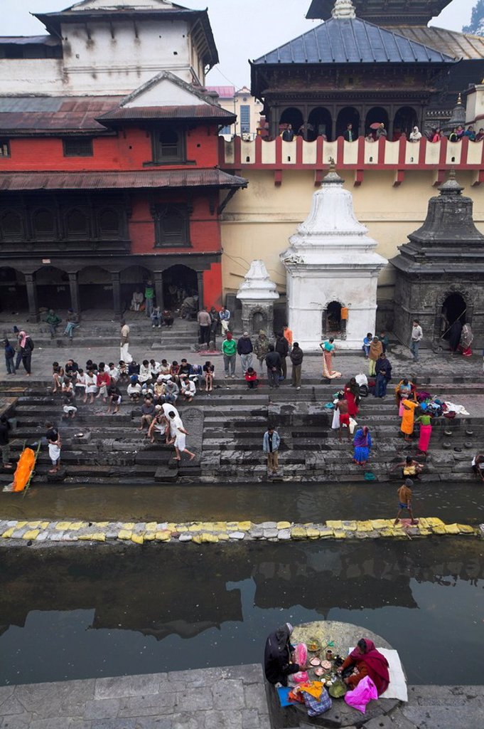 Nepal, Kathmandu, Pashupatinath Temple, Cremation ceremony, Bagmati river at Shivaratri festival : Stock Photo