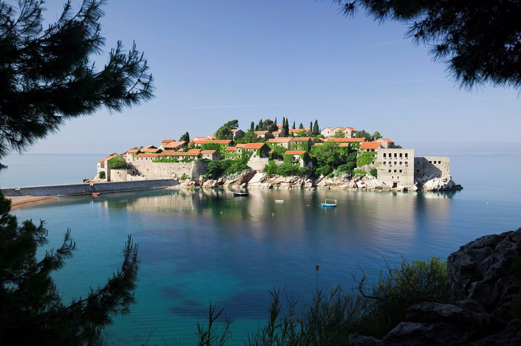 Stock Photo: 1609-25506 Montenegro, Adriatic coast, Sveti Stefan
