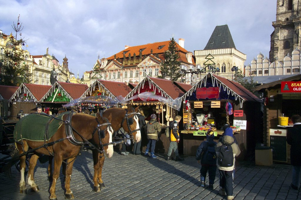 Stock Photo: 1609-2671 Christmas Market, Old Town Square, Prague, Czech Republic