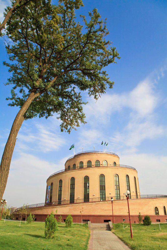 Stock Photo: 1609-33225 Uzbekistan, Tashkent, Museum/art gallery near Chorsu Bazaar