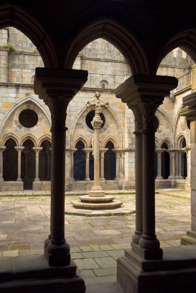 Stock Photo: 1609-33364 Cathedral cloisters, Porto (Oporto), Portugal