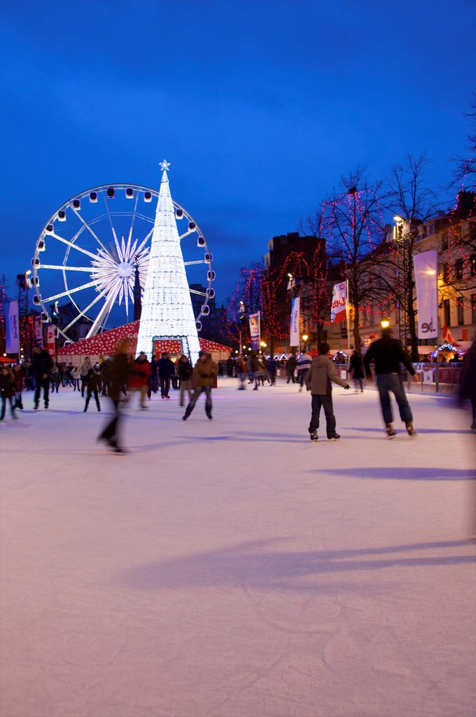 Stock Photo: 1609-33923 Christmas Market, Brussels, Belgium