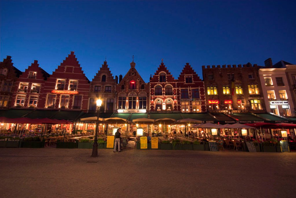Stock Photo: 1609-33946 The Markt (Main Market Place), Bruges, Flanders, Belgium