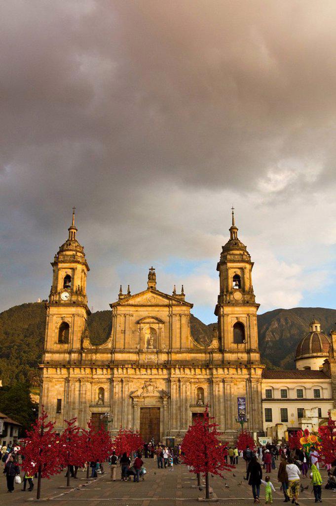 Stock Photo: 1609-34679 Colombia, Bogota, Plaza de Bolivar, Neoclassical Cathedral Primada de Colombia at Christmas