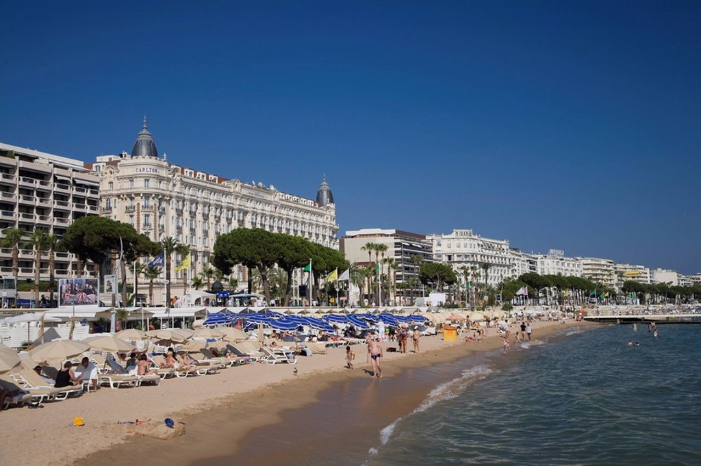 Stock Photo: 1609-36406 Beach and Boulevard de la Croisette with Carlton Hotel, Cannes, Cote D´Azur, France