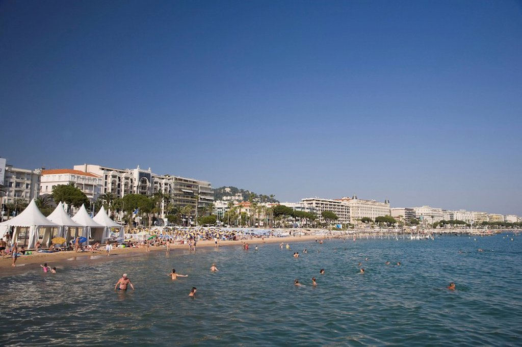 Stock Photo: 1609-36408 Beach and Boulevard de la Croisette with Carlton Hotel, Cannes, Cote D´Azur, France