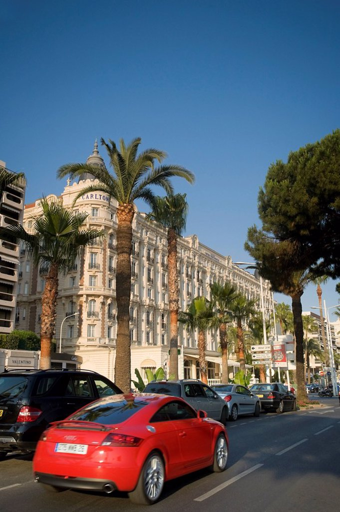Boulevard de la Croisette and Carlton Hotel, Cannes, Cote D´Azur, France : Stock Photo