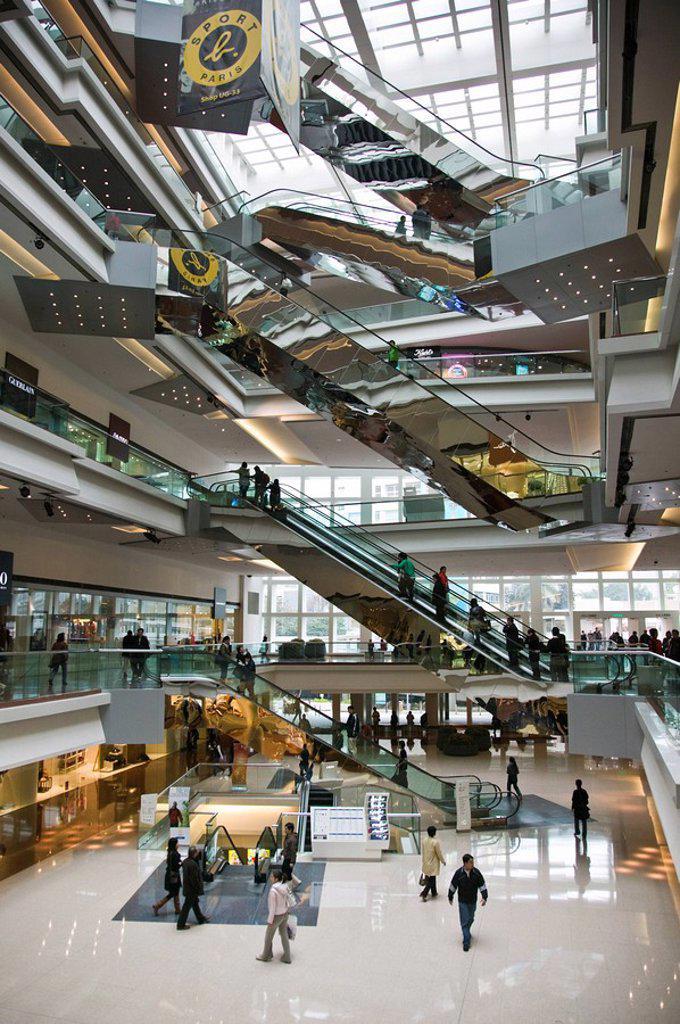 Stock Photo: 1609-36875 China, Hong Kong, Kowloon, Yau Yat Tsuen, Festival Walk Shopping Mall, 2007