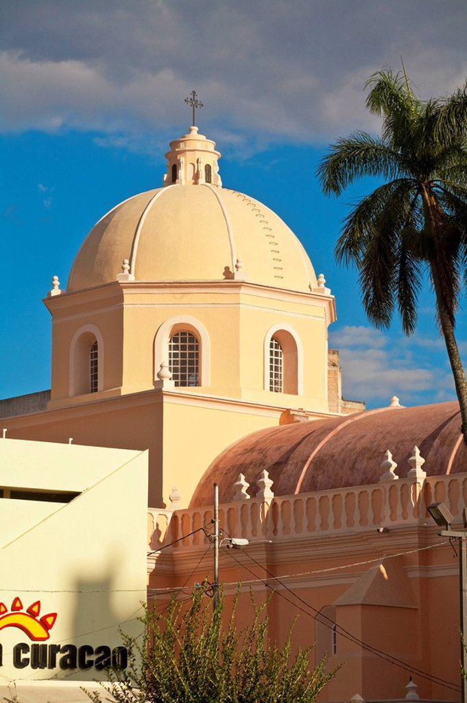 Stock Photo: 1609-37022 Honduras, Tegucigalpa, Plaza Morazan, Park Central, Cathedral